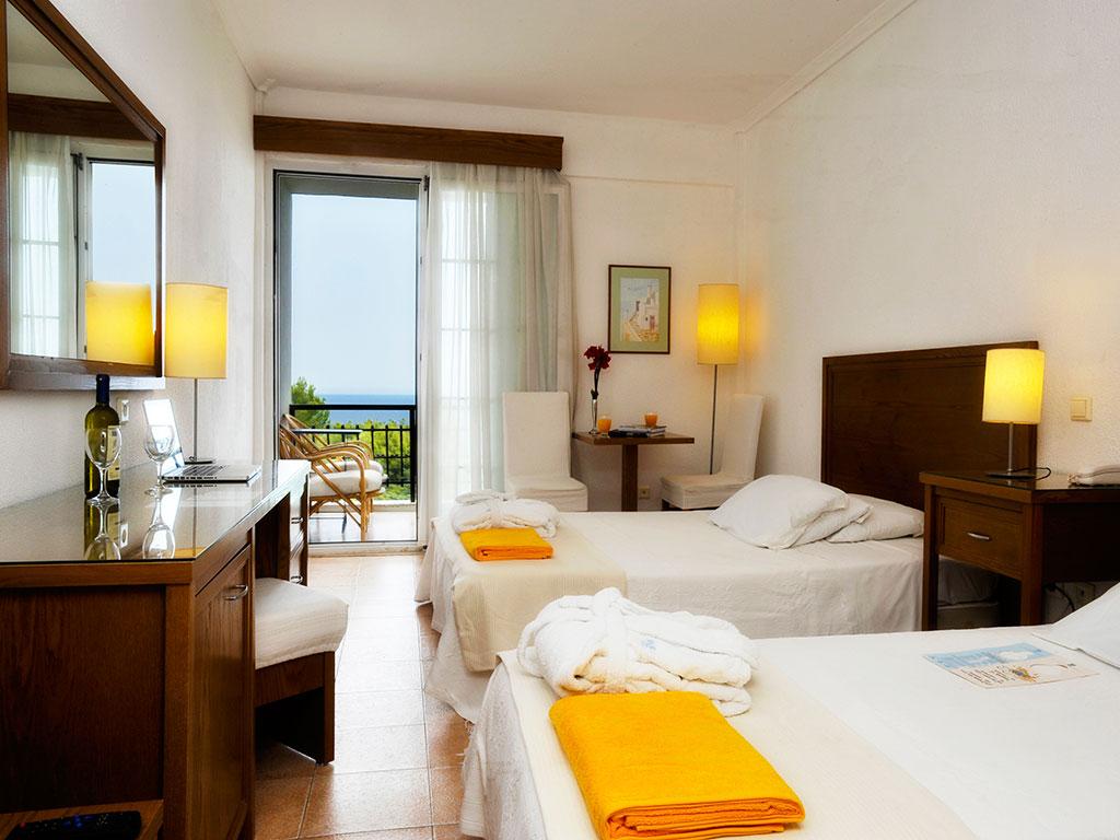 Hotel Alexander the Great Beach 4*