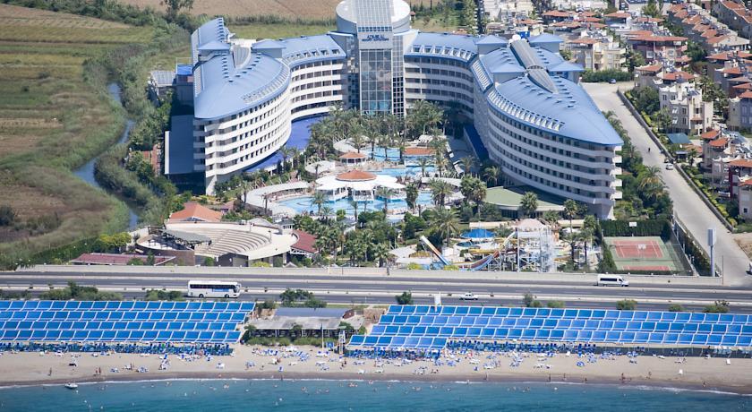 Crystal Admiral Resort 5*