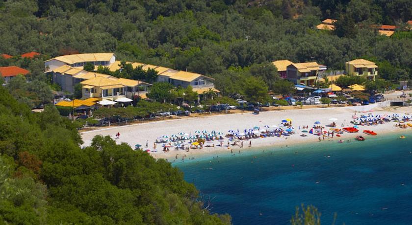 Charter Lefkada - Hotel Rouda Bay Beach