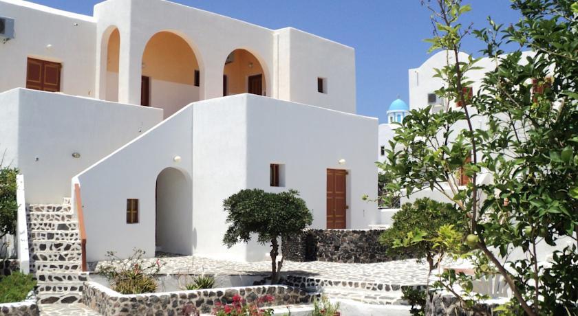 Charter Santorini - Hotel Adamastos