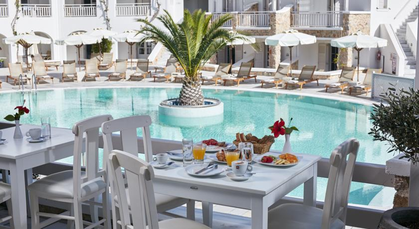 Charter Santorini - Hotel Aegean Plaza