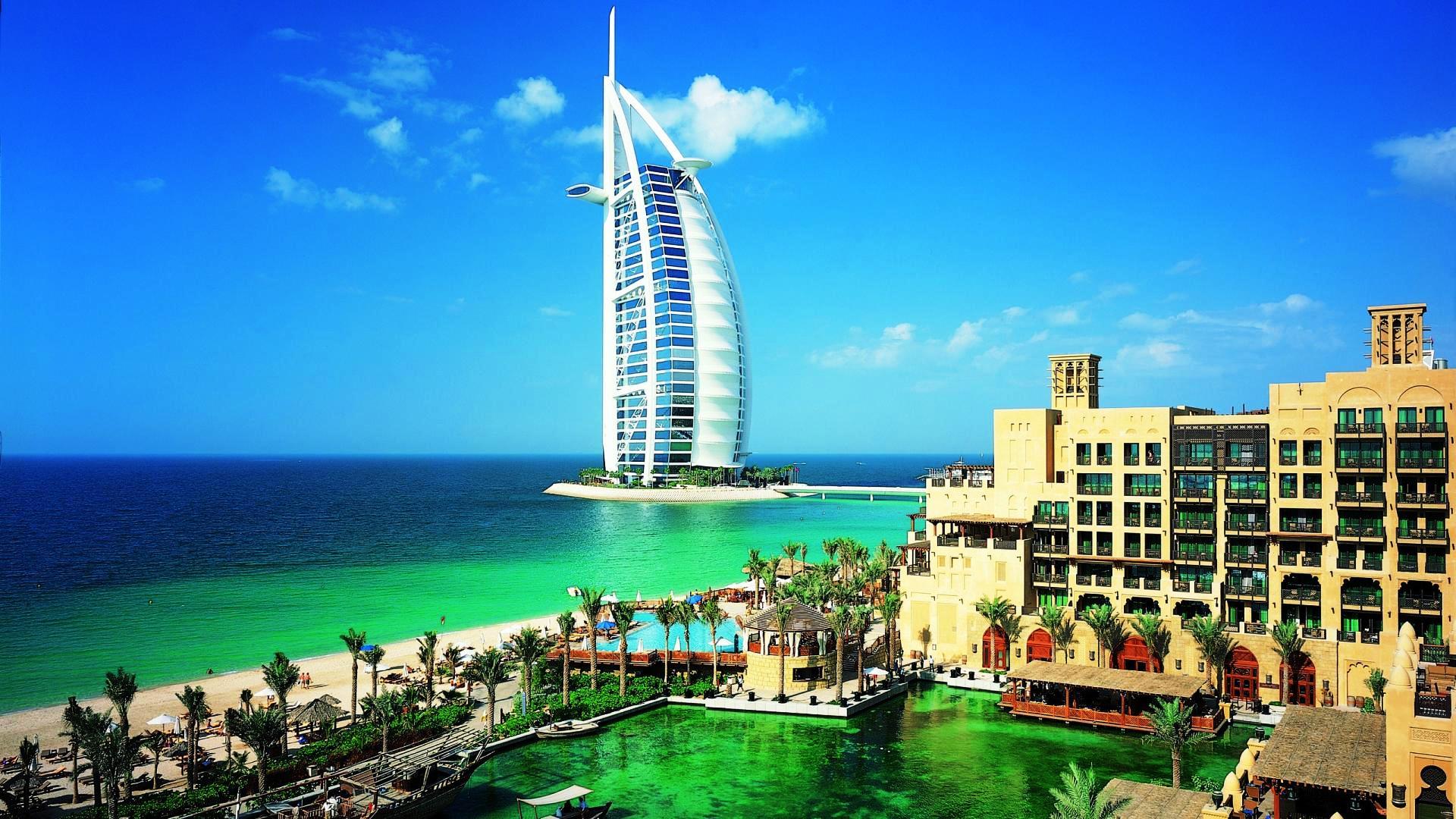 Charter Dubai - Hotel Marina Byblos 4*