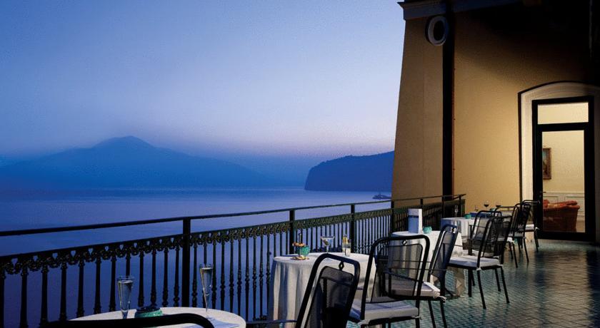 Charter Coasta Amalfi - Hotel Imperial Tramontano 4*