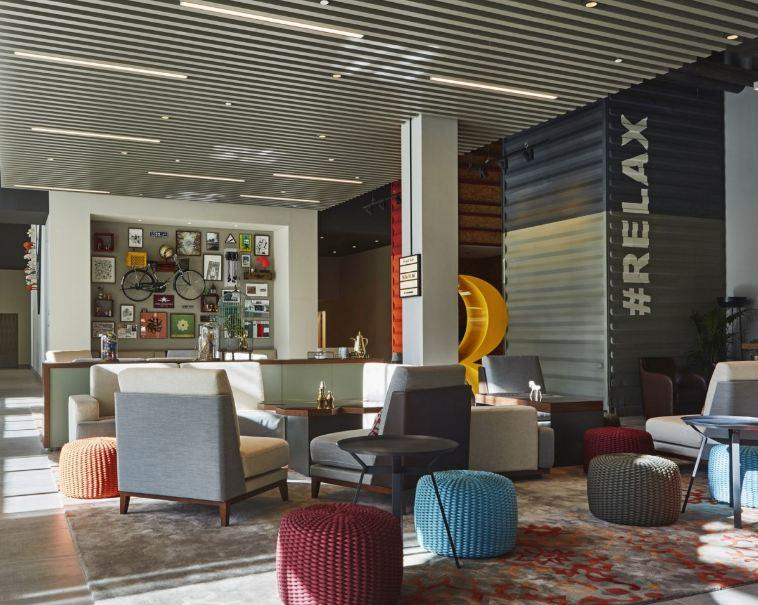 Charter Dubai - Hotel Rove 3*
