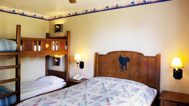 Early Booking 20%+Demipensiune - Disneyland Paris - Hotel Cheyenne 2*