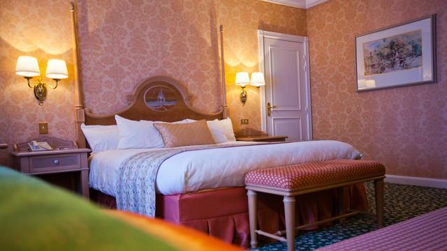 Early Booking 20% + Demipensiune - Disneyland Paris - Hotel Disneyland 5*